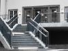 Haupteingangstreppe mit Beleuchtung